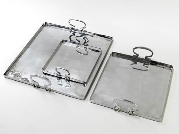 Modello di vassoio in acciaio dal design particolare n.13