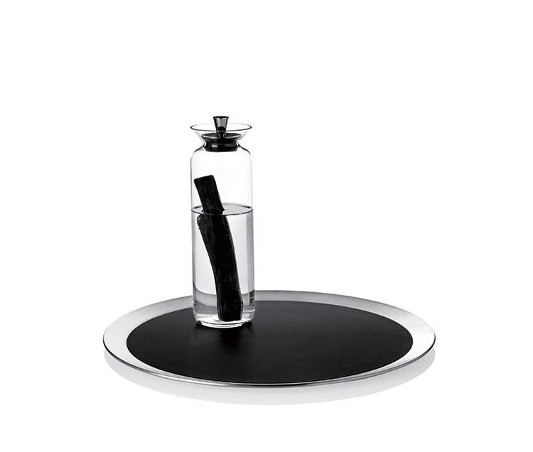 Modello di vassoio in acciaio dal design particolare n.16
