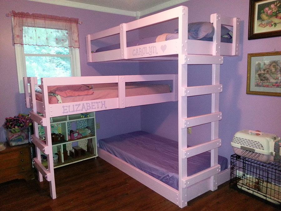 Idee di arredo per camerette dei bambini con tre letti n.04
