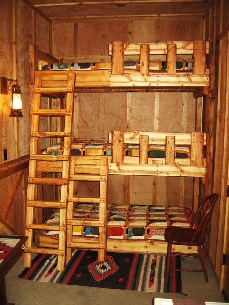 Idee di arredo per camerette dei bambini con tre letti n.07