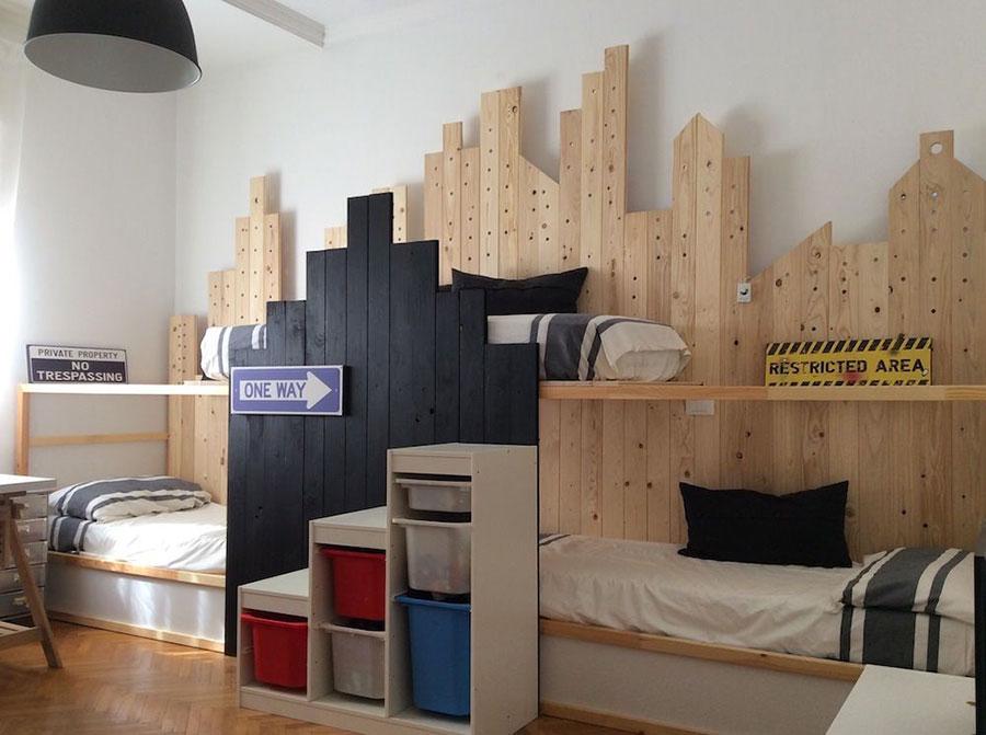 Idee per arredare una cameretta con tre letti da Ikea n.02