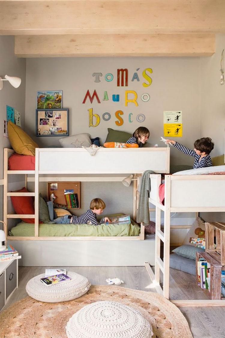 Idee per arredare una cameretta con tre letti da Ikea n.04