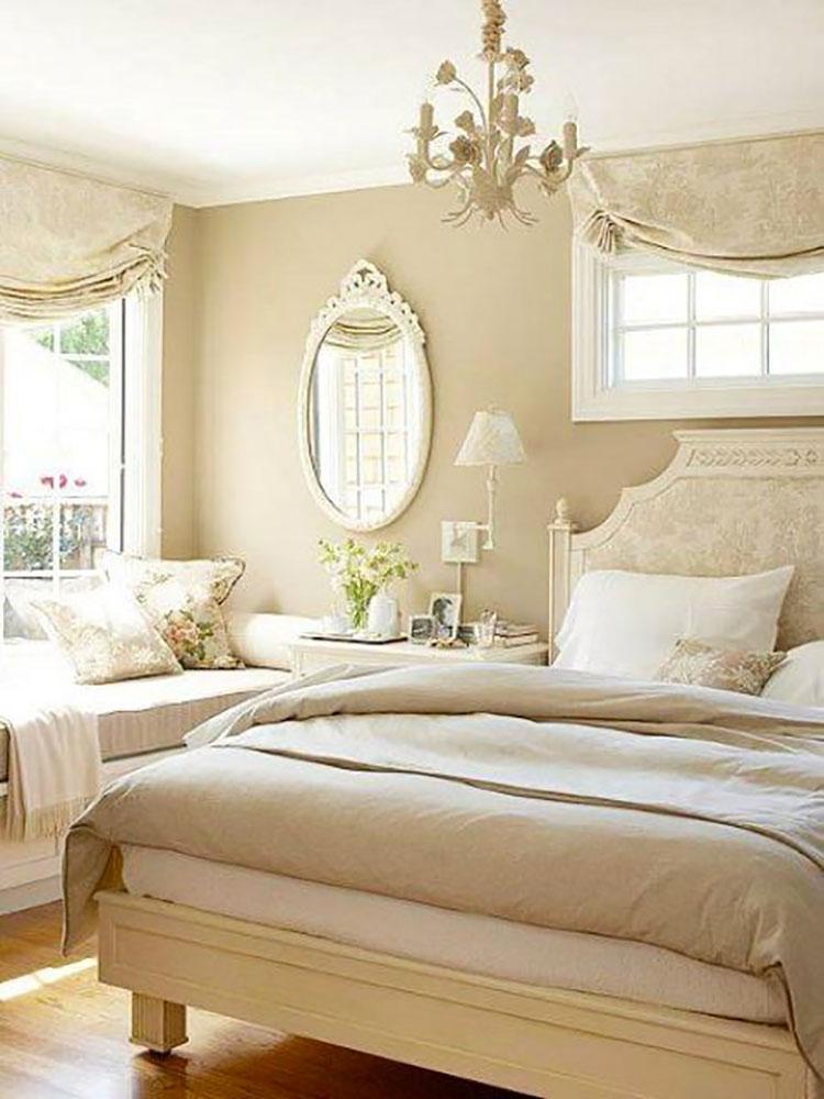 Camera da letto con pareti beige n.2