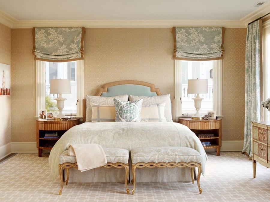 Camera da letto con pareti beige n.4