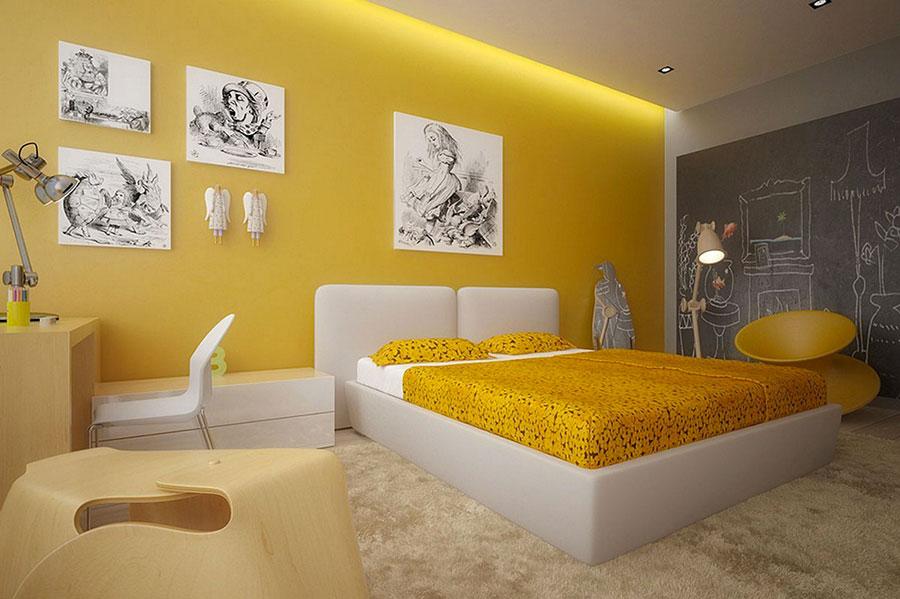 Camera da letto con pareti gialle n.4