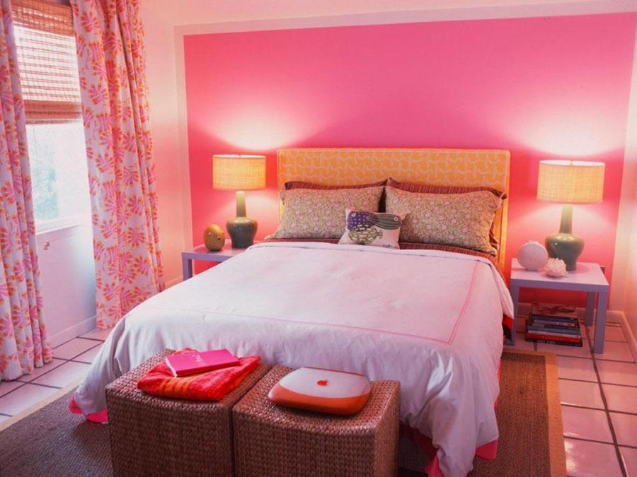 Camera da letto con pareti rosa n.1