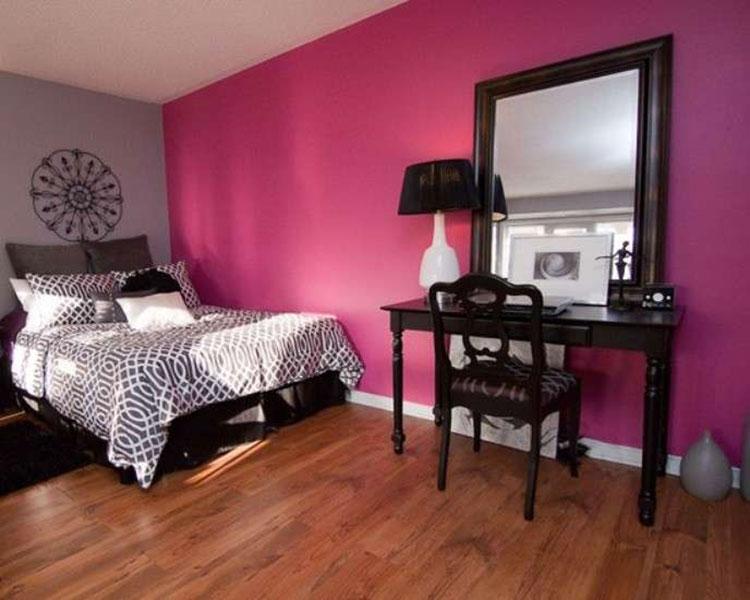 Camera da letto con pareti rosa n.4