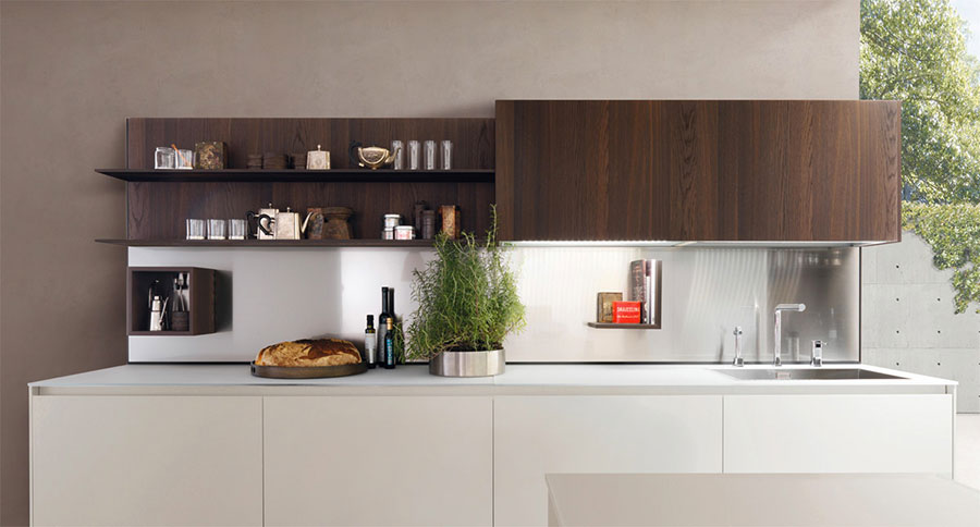 Modello di cucina bianca e legno moderna n.12