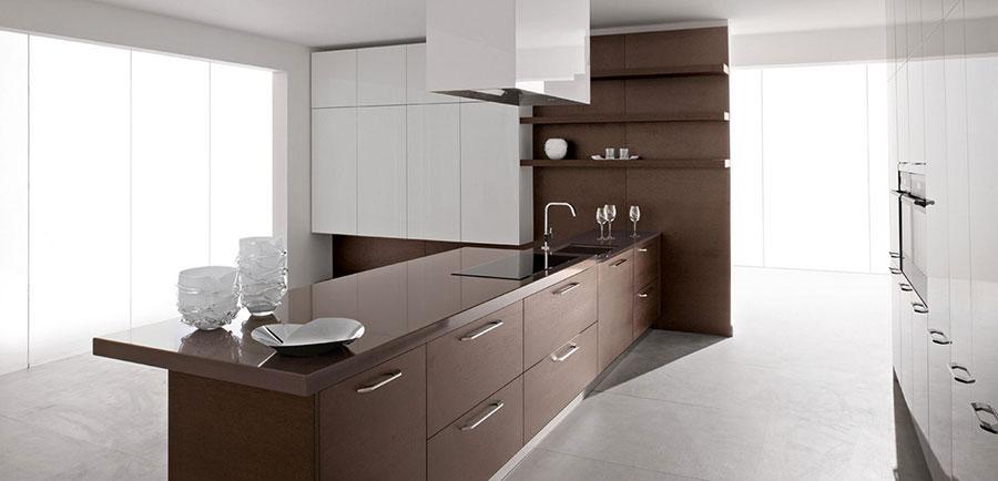 Modello di cucina bianca e legno moderna n.30
