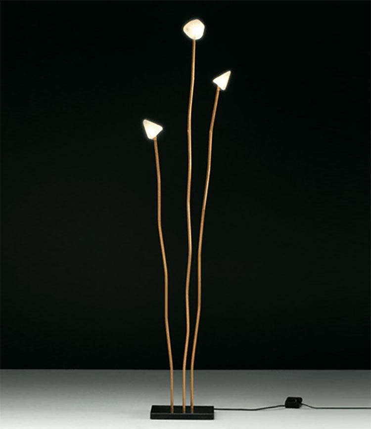 Lampada da terra dal design particolare n.15
