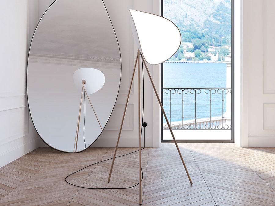 Modello di lampada da terra dal design particolare n.34