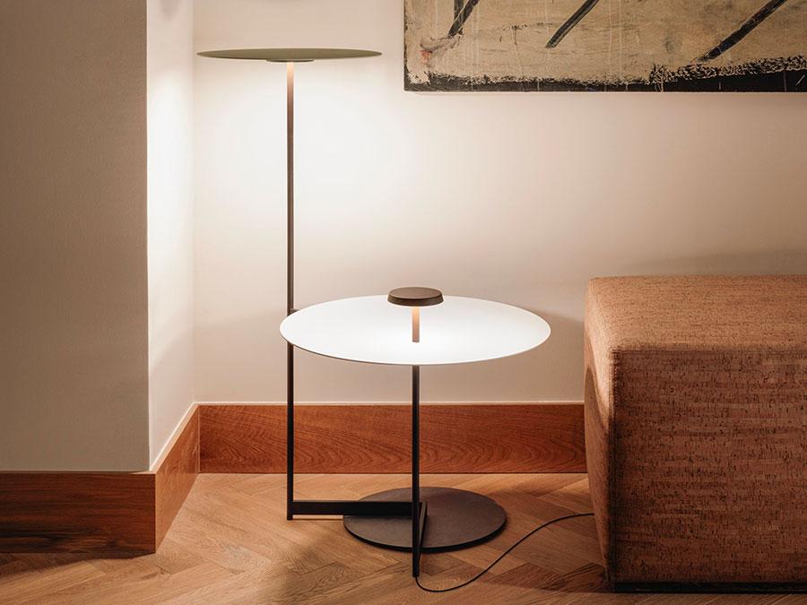 Modello di lampada da terra dal design particolare n.43
