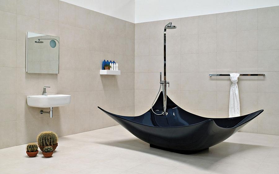 Vasca da bagno irregolare a libera installazione n.01