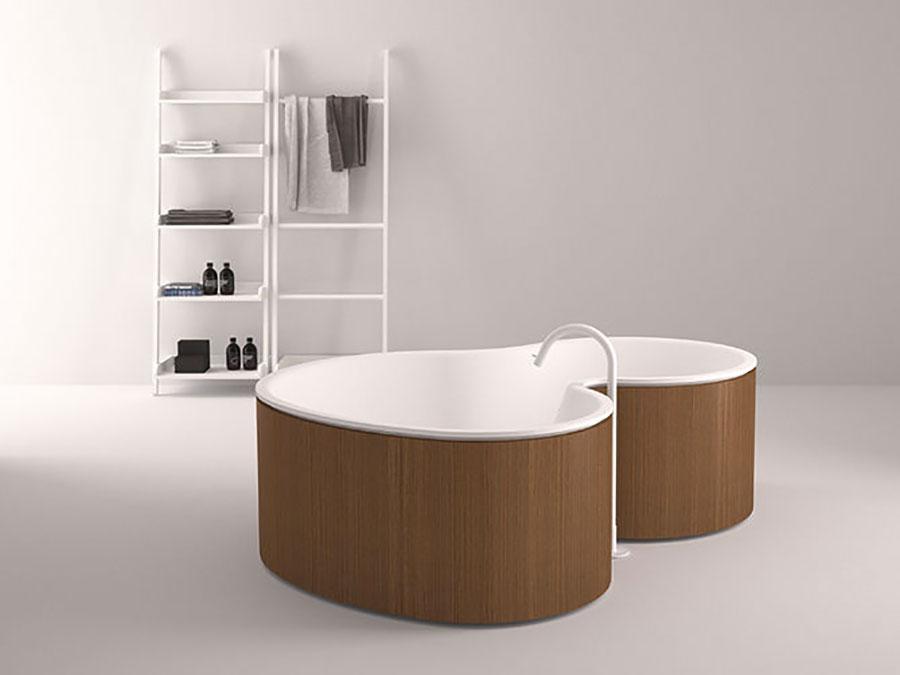 Vasca da bagno irregolare a libera installazione n.10
