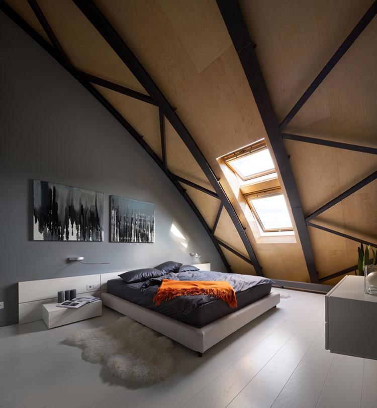 Idea per arredare una camera da letto in mansarda n.07