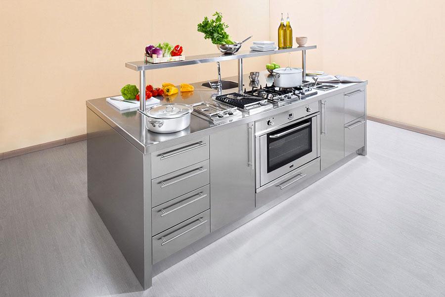 Cucina in acciaio moderna in stile industriale n.07