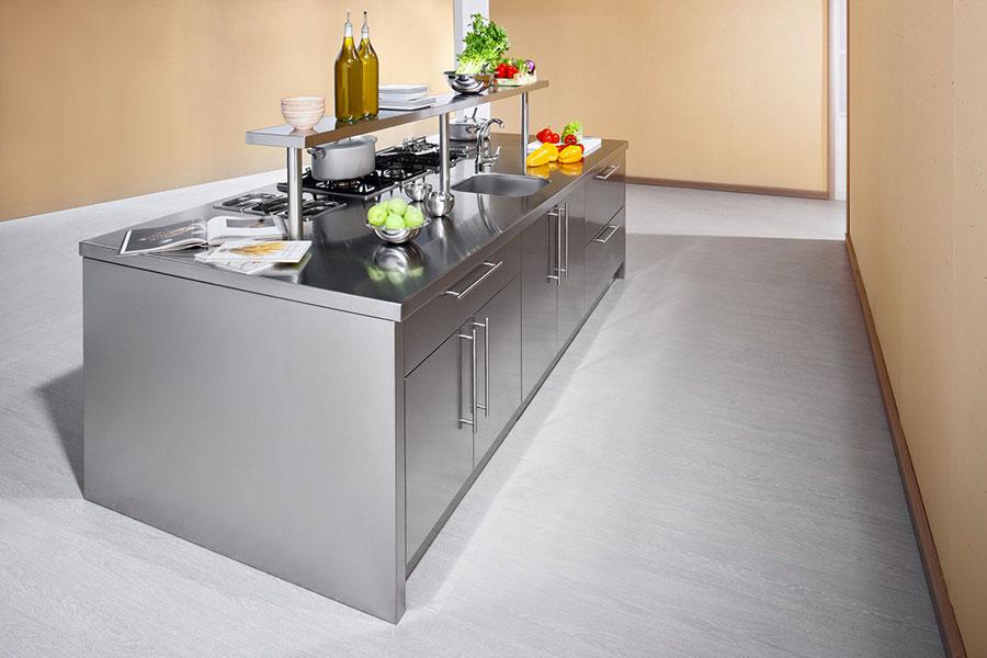 Cucina in acciaio moderna in stile industriale n.08