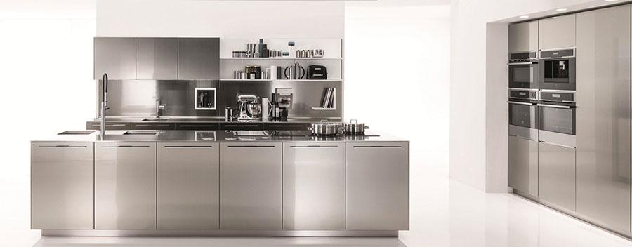 Cucina in acciaio moderna in stile industriale n.11