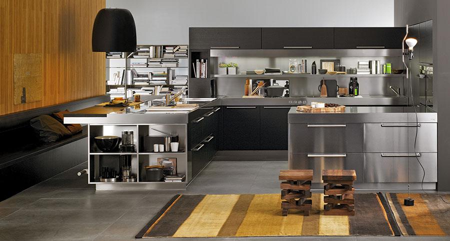 Cucina in acciaio moderna in stile industriale n.13