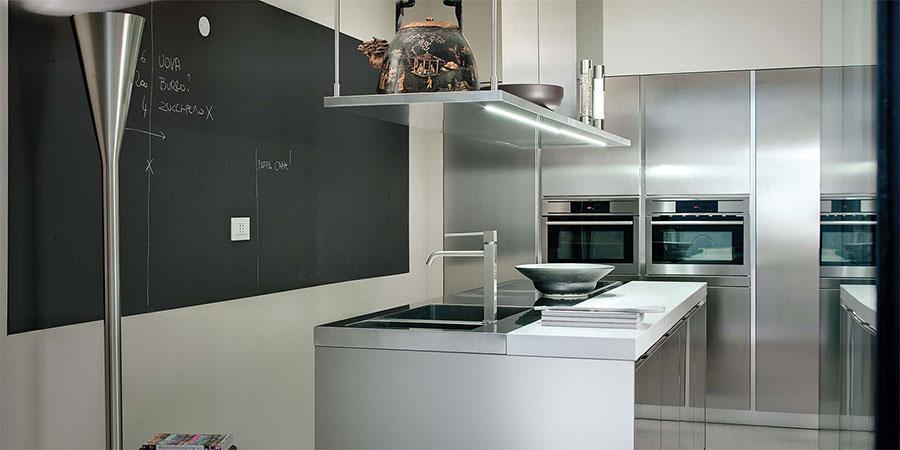 Cucina in acciaio moderna in stile industriale n.19