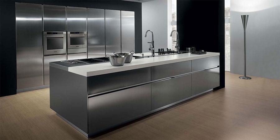 Cucina in acciaio moderna in stile industriale n.20