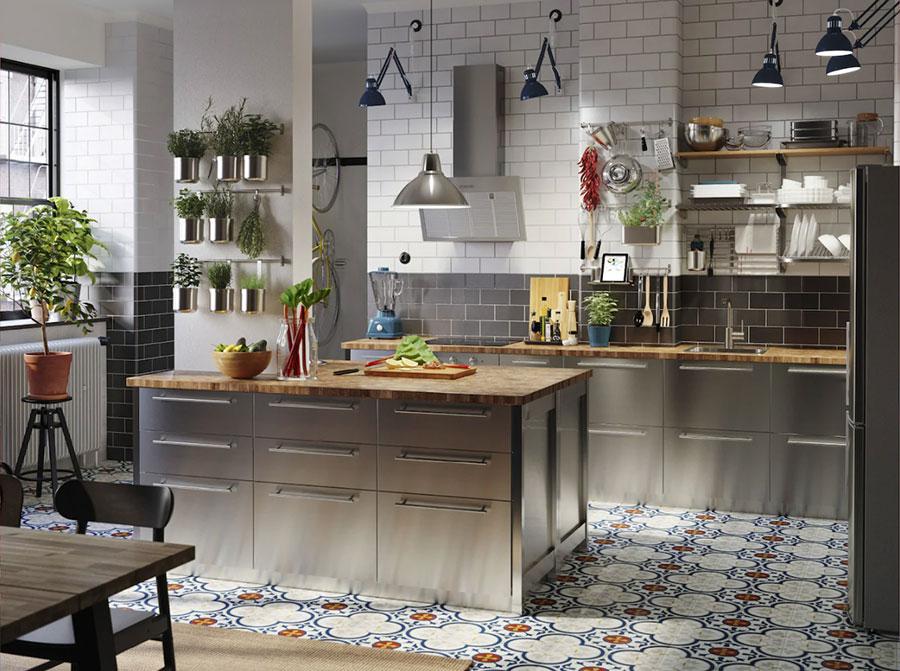 Modello di cucina in acciaio di Ikea n.02