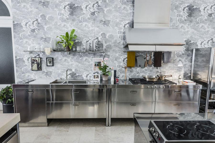 Modello di cucina in acciaio inox n.01