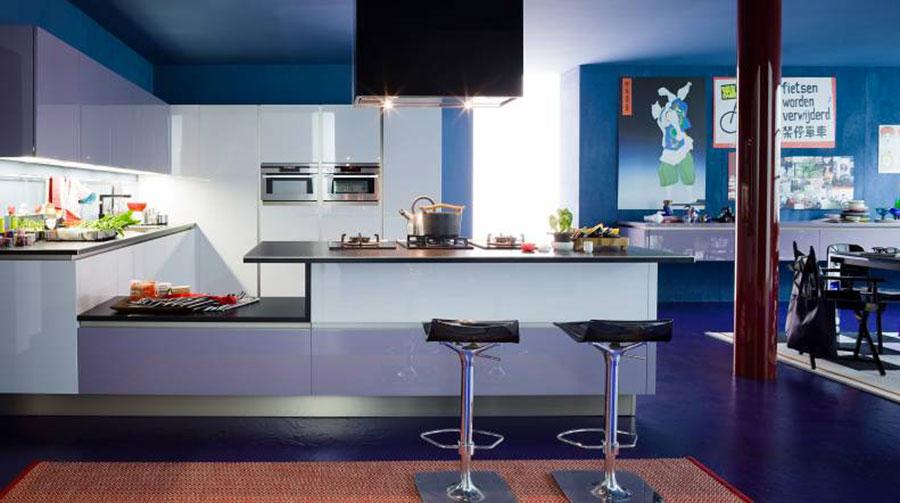 Modello di cucina viola n.15