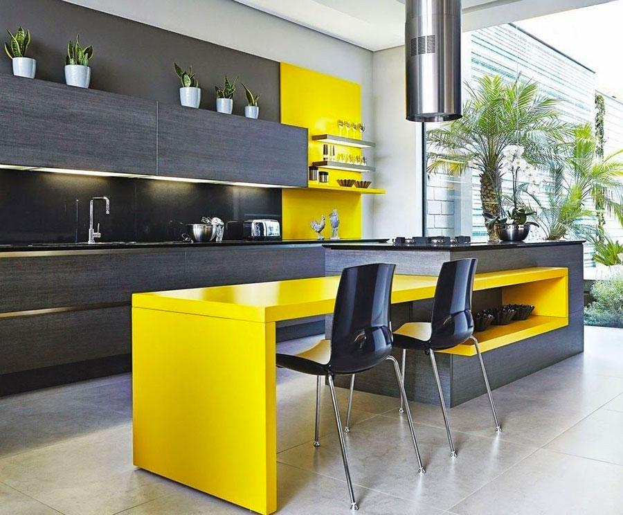 Modello di cucina gialla e grigia n.03