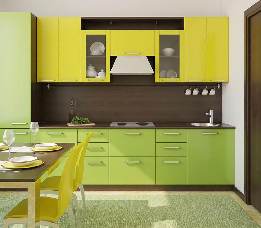 Modello di cucina gialla e verde n.02