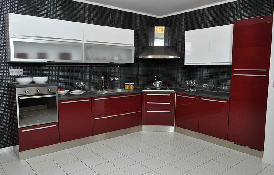 Modello di cucina rossa dal design moderno n.13