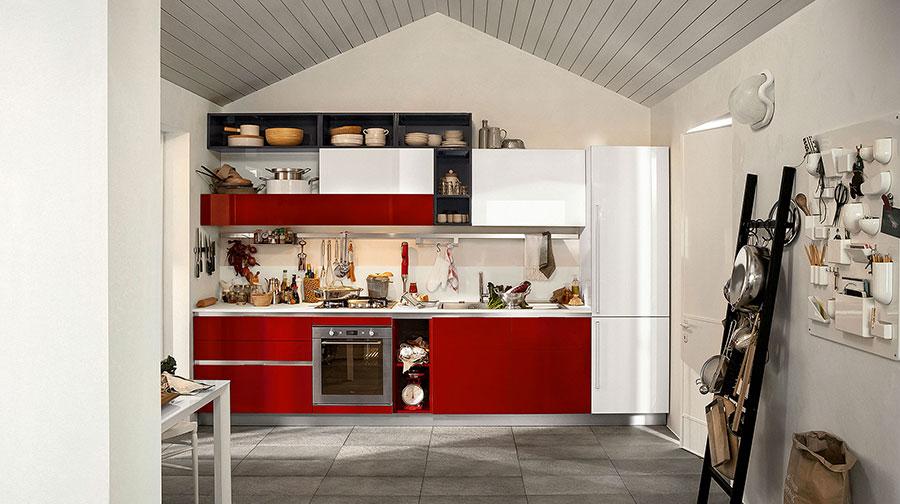 Modello di cucina rossa dal design moderno n.18