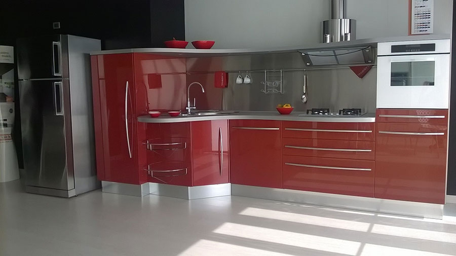 Modello di cucina rossa dal design moderno n.22