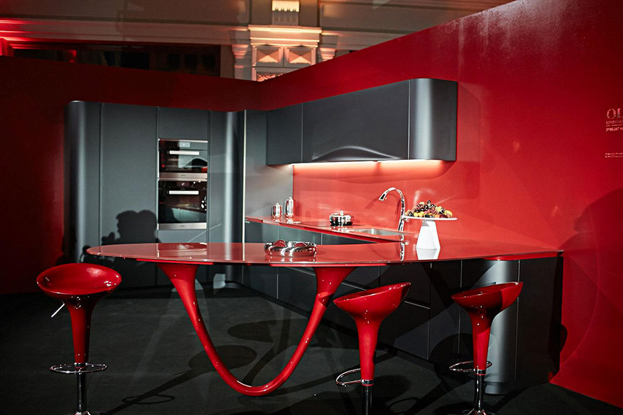 Pareti rosse per cucine moderne 01
