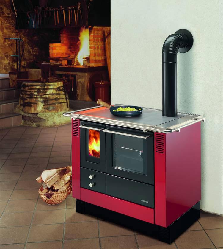 Modello di cucina a legna con forno integrato n.03