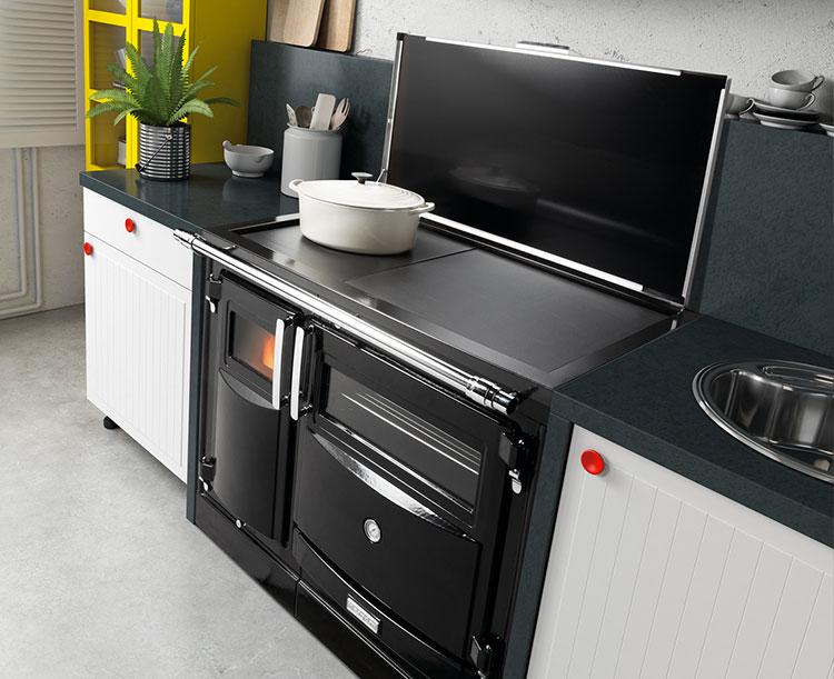 Modello di cucina a legna con forno integrato n.14