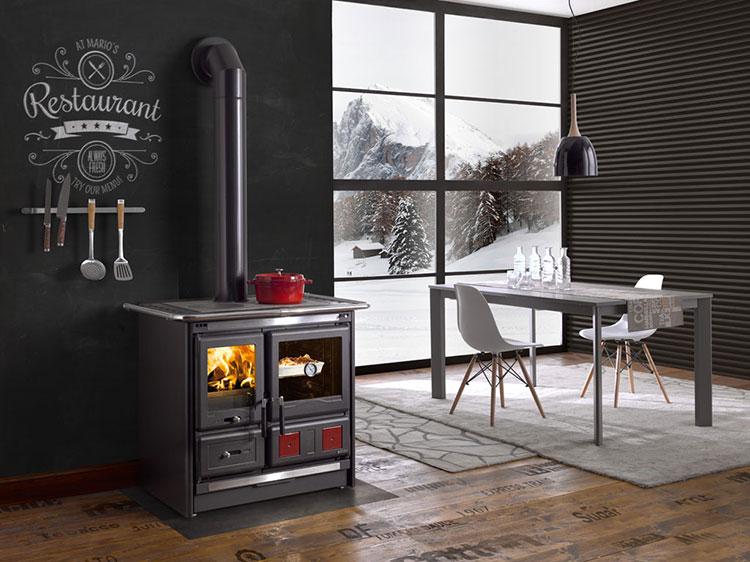 Modello di cucina a legna con forno integrato n.20