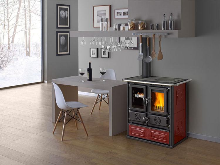 Modello di cucina a legna con forno integrato n.21