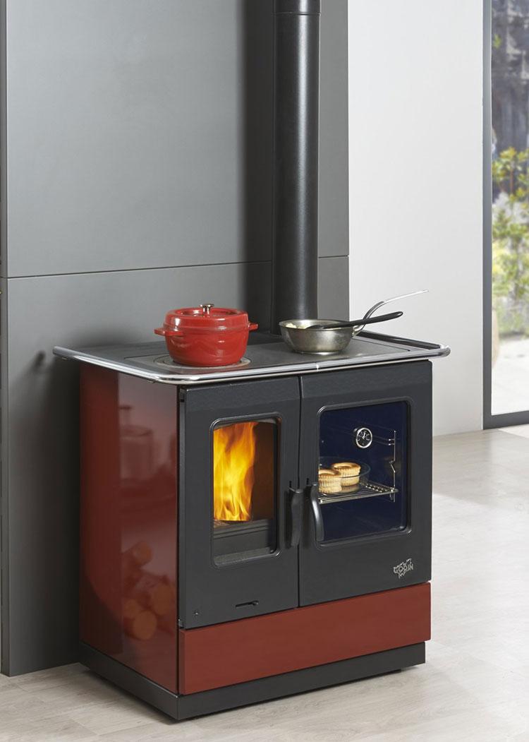 Modello di cucina a legna con forno integrato n.30