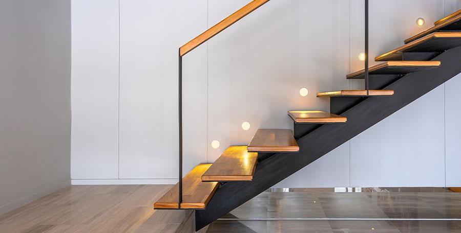 Illuminazione per scale interne