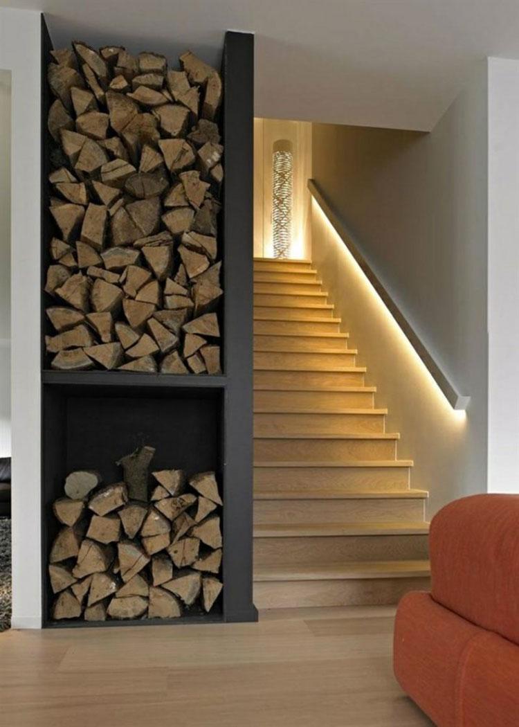 Idee di illuminazione per corrimano di scale interne n.01