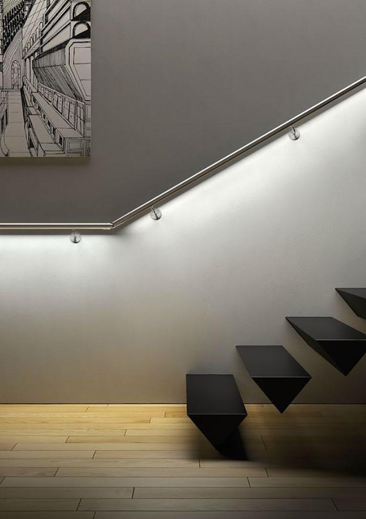 Idee di illuminazione per corrimano di scale interne n.09