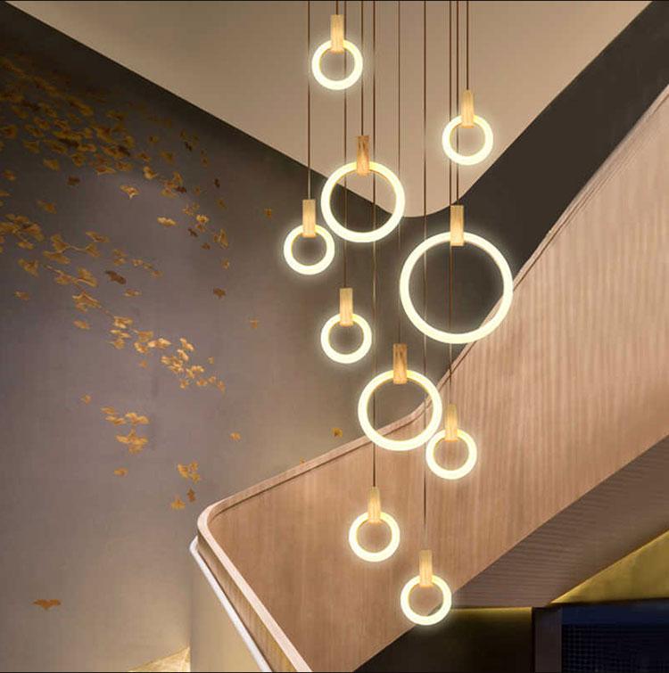 Idee per lampadari a sospensione per scale interne n.03