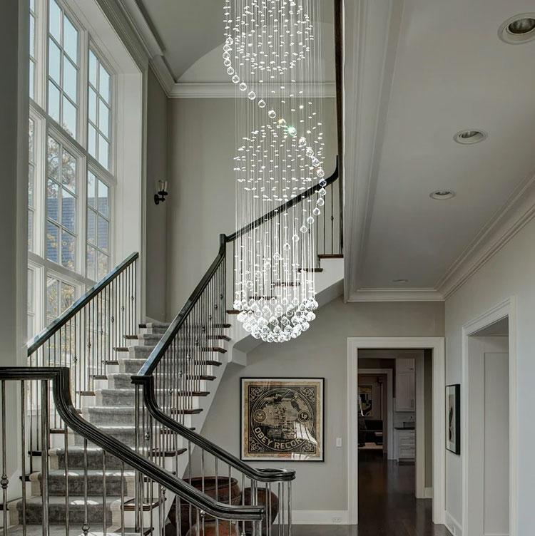 Idee per lampadari a sospensione per scale interne n.05