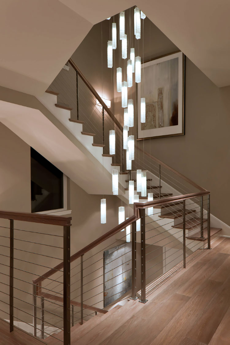 Idee per lampadari a sospensione per scale interne n.06