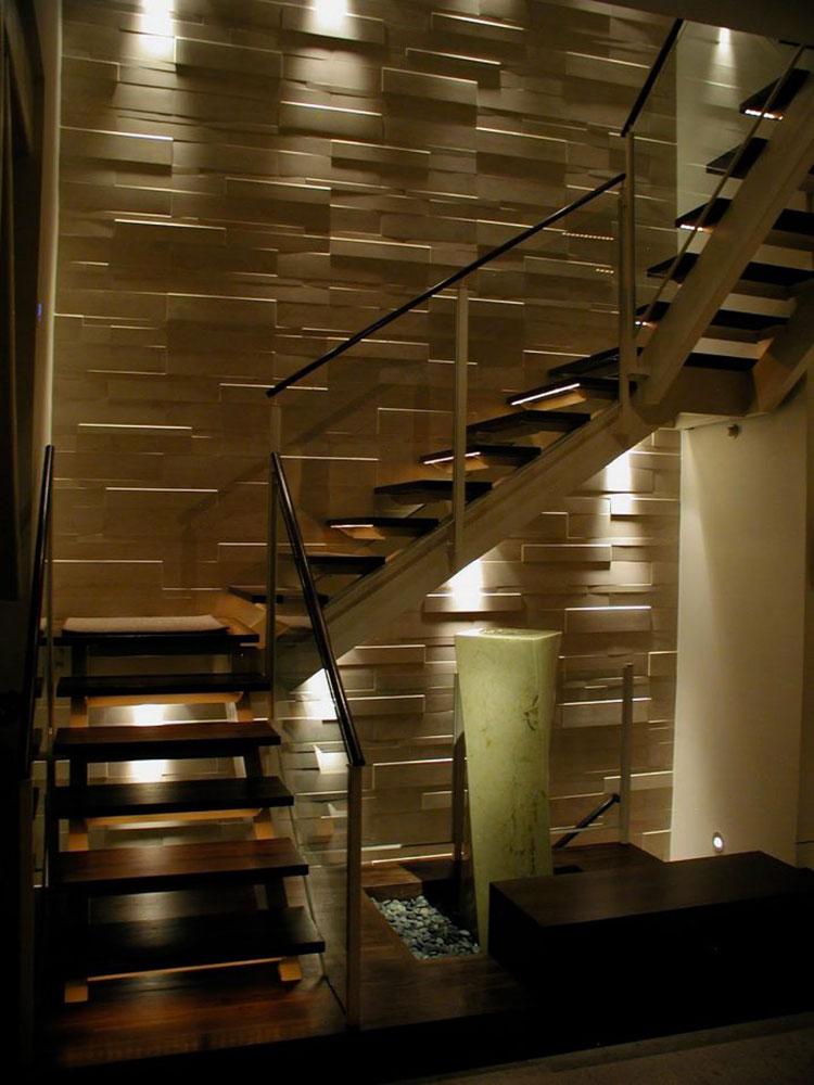 Idee di illuminazione per pareti di scale interne n.01