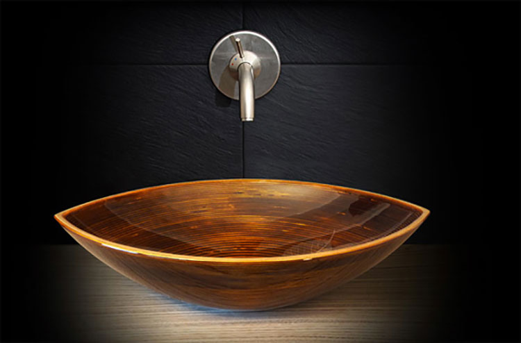 Modello di lavabo bagno in legno dal design originale n.13