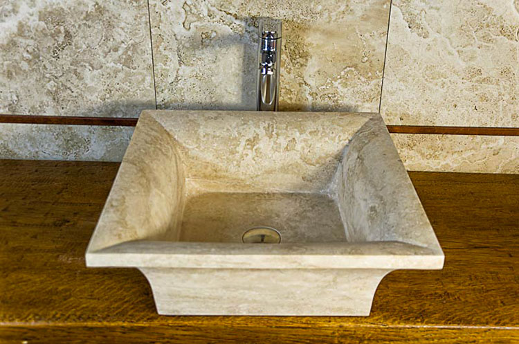 Modello di lavabo bagno in pietra da appoggio originale n.22