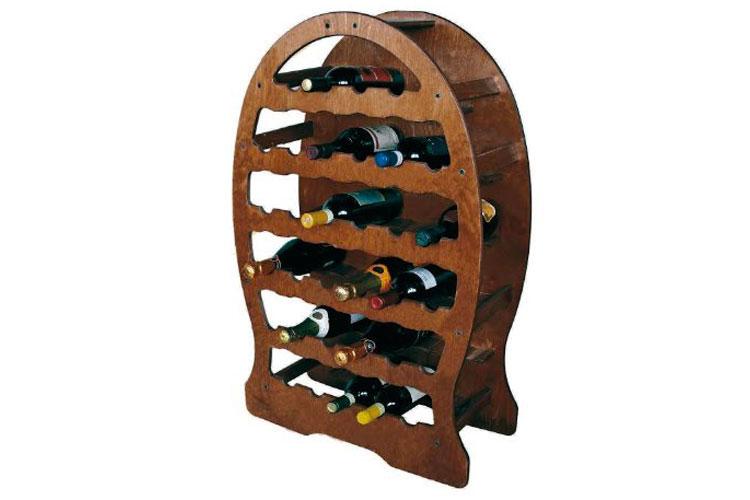 Modello di cantinetta vino realizzata in legno n.01