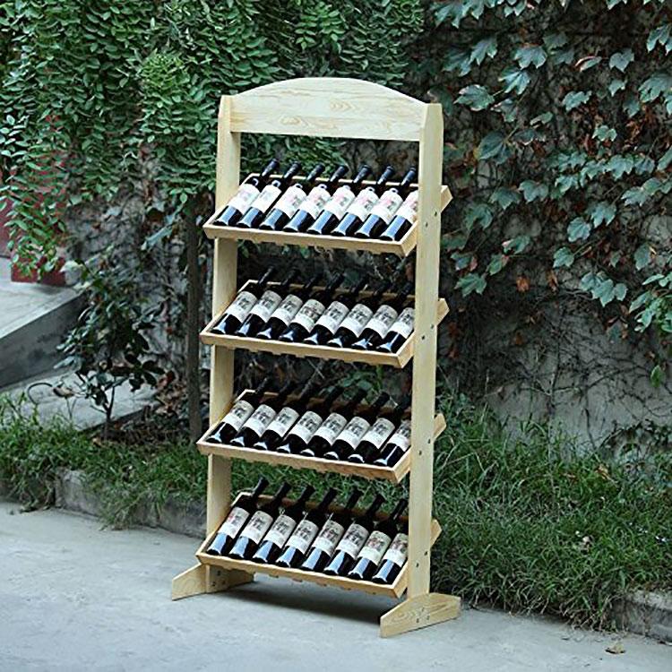 Modello di cantinetta vino realizzata in legno n.19